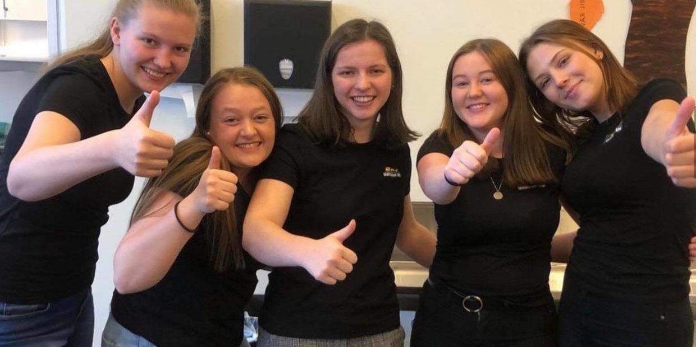 Skolejenter fra Rogaland med eget brettspill for seksualundervisning