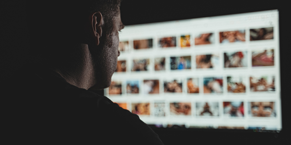 Hva betyr det hvis du ser på porno med bestemte tema?